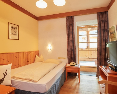 einzelzimmer mit balkon berghotel tirol