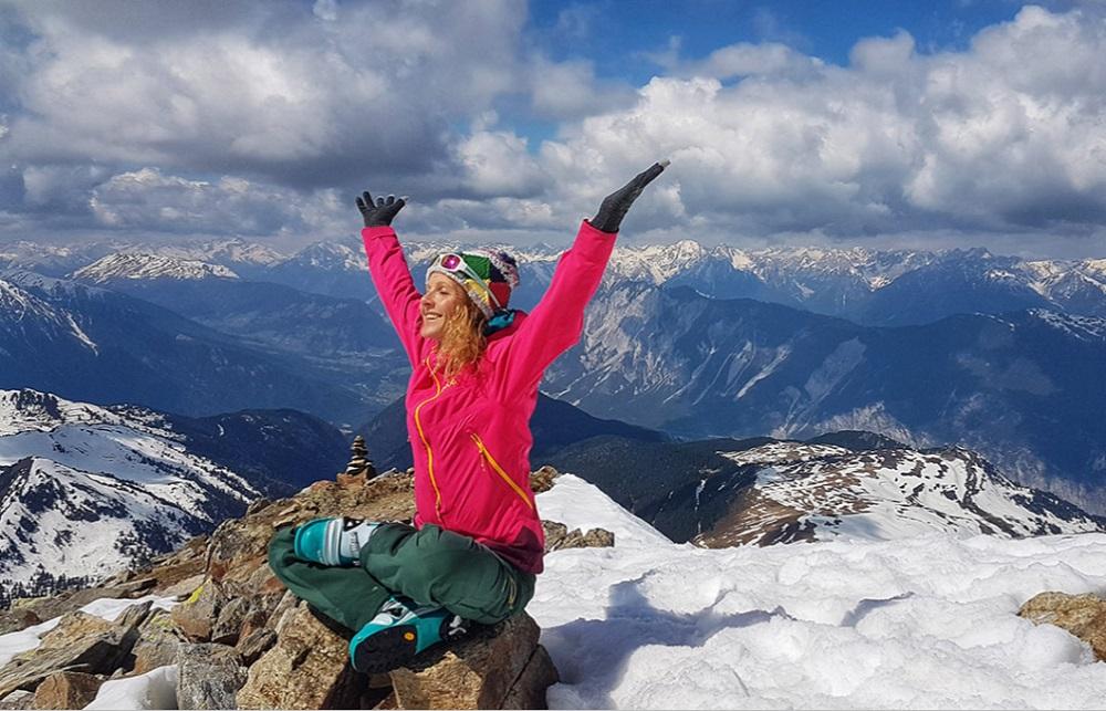 yoga berge skitouren winterurlaub almis berghotel tirol